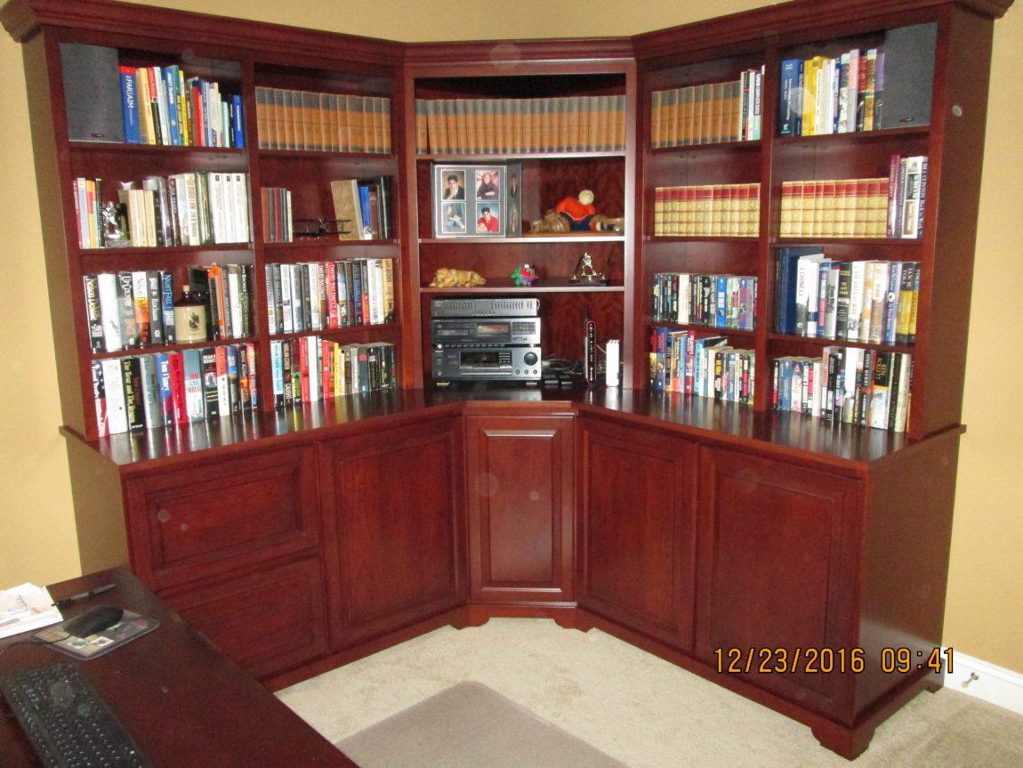Corner Library